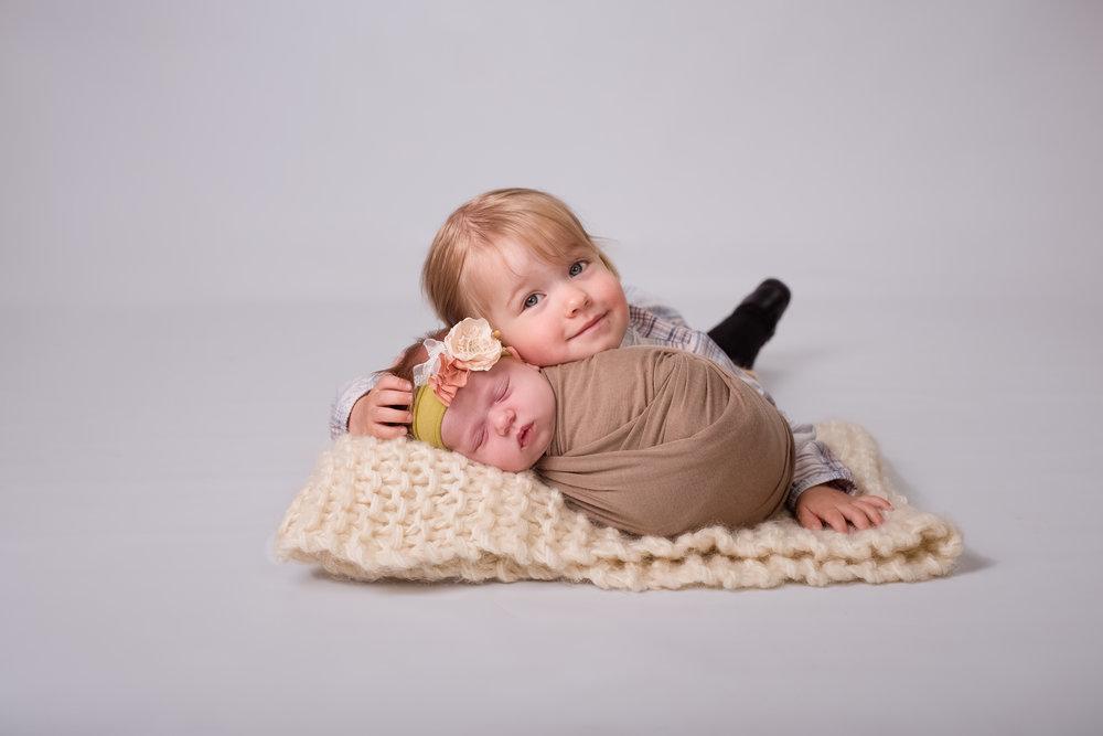 Newborn35NaomiLuciennePhotography052018-Edit.jpg