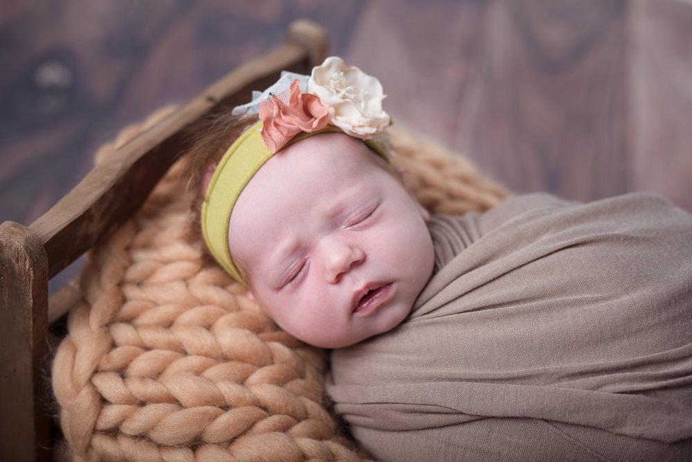 Newborn297NaomiLuciennePhotography052018-Edit.jpg