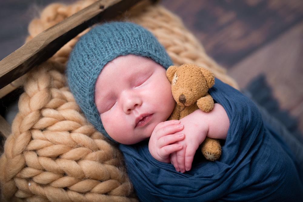 Newborn172NaomiLuciennePhotography052018-Edit.jpg
