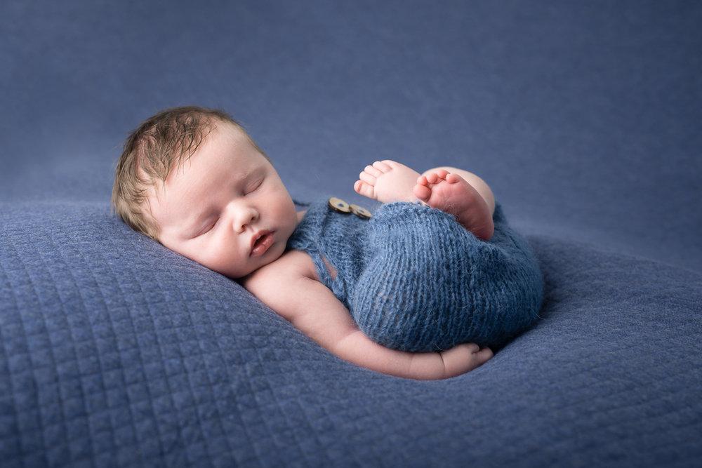 Newborn29NaomiLuciennePhotography052018-3-Edit.jpg