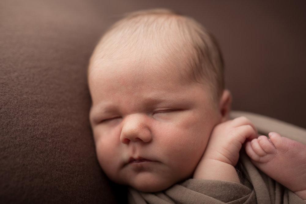 Newborn182NaomiLuciennePhotography052018-Edit.jpg