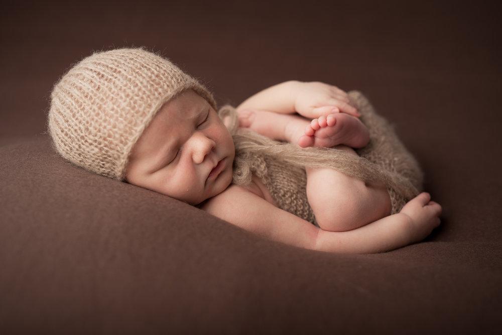 Newborn221NaomiLuciennePhotography052018-Edit.jpg