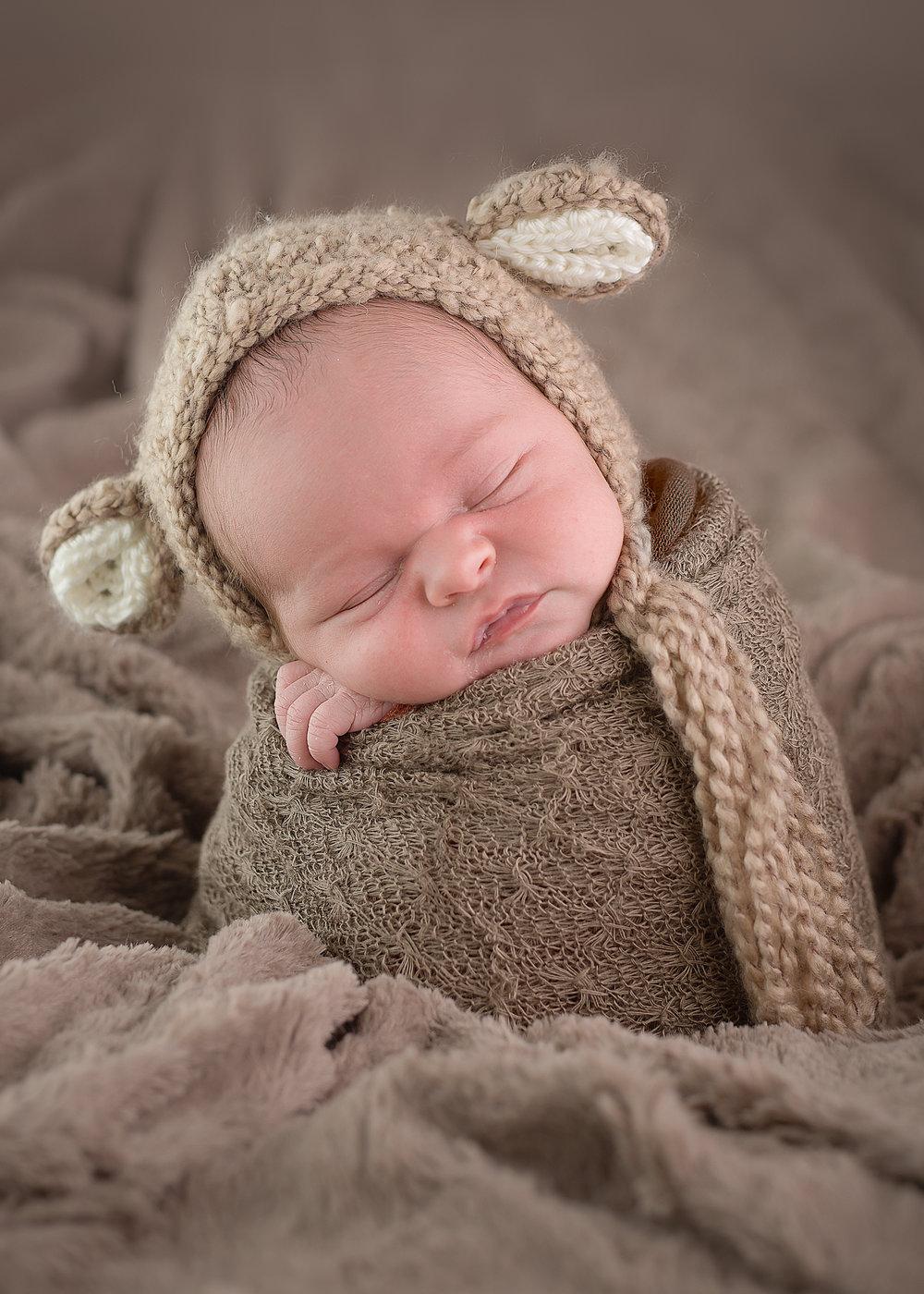 Newborn97NaomiLuciennePhotography052018-3-Edit.jpg