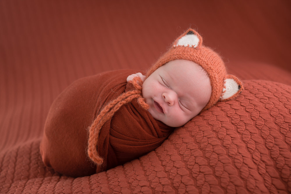 Newborn90NaomiLuciennePhotography052018-3-Edit.jpg
