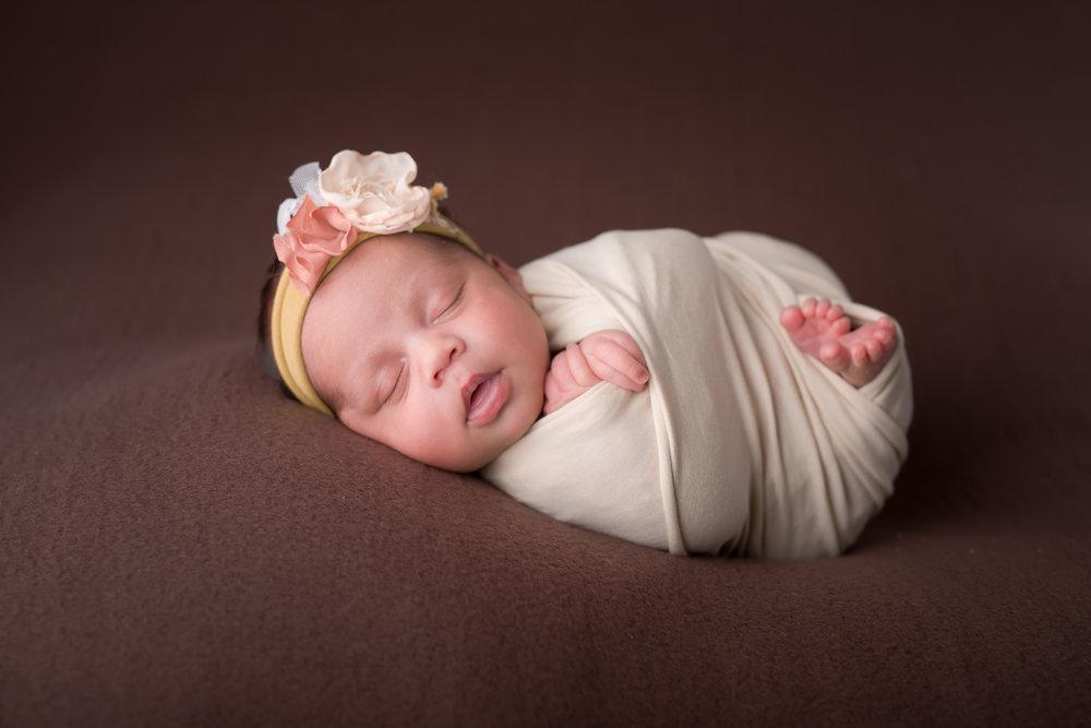 Newborn122NaomiLuciennePhotography052018-Edit.jpg