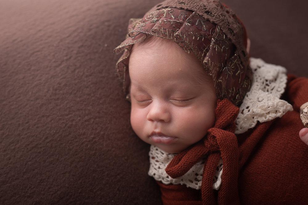 Newborn193NaomiLuciennePhotography052018-Edit.jpg