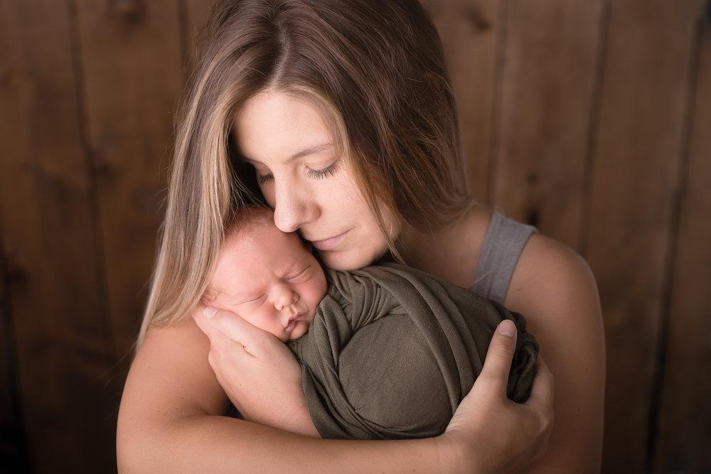 Newborn264NaomiLuciennePhotography052018-Edit.jpg