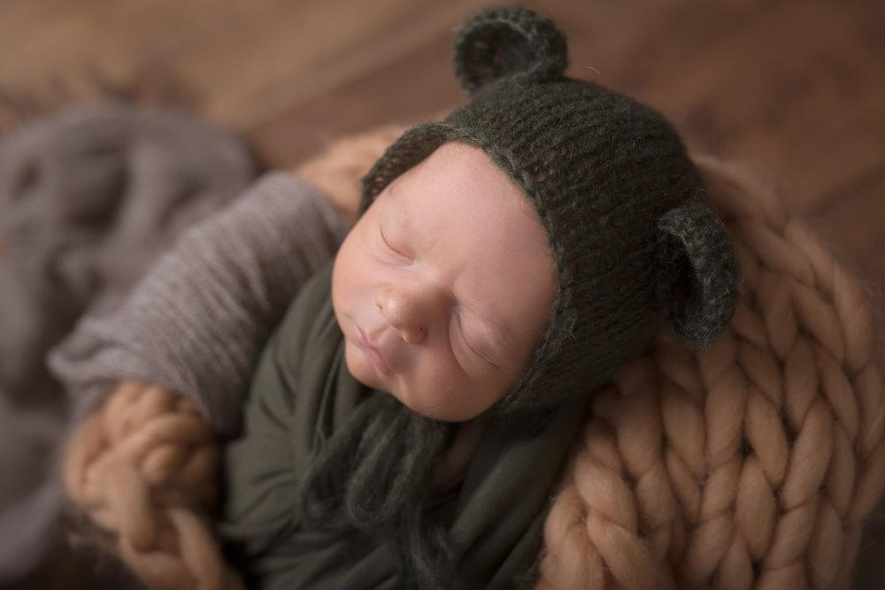 Newborn126NaomiLuciennePhotography052018-Edit.jpg