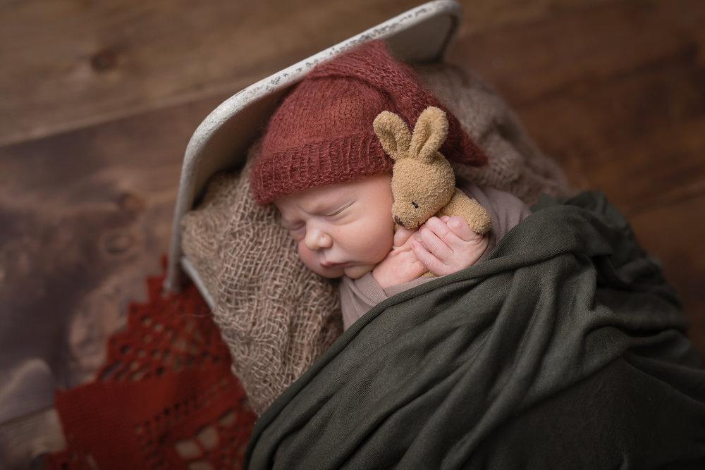 Newborn21NaomiLuciennePhotography052018-Edit.jpg