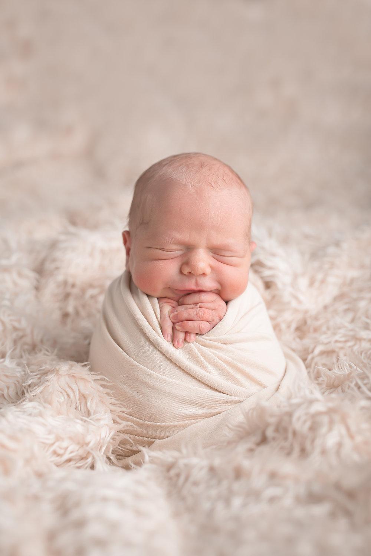 Newborn159NaomiLuciennePhotography052018-Edit.jpg