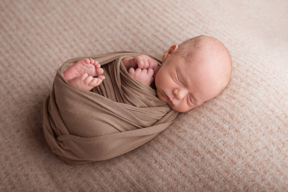 Newborn41NaomiLuciennePhotography052018-2-Edit.jpg