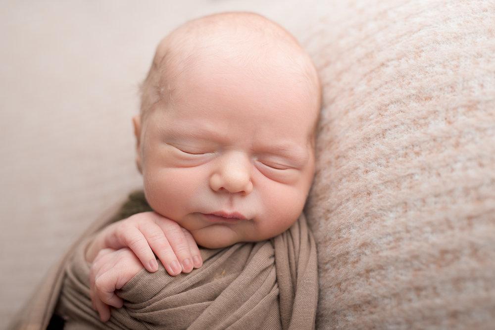 Newborn50NaomiLuciennePhotography052018-2-Edit.jpg
