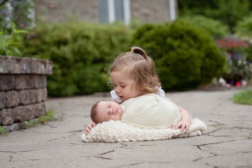 Newborn252NaomiLuciennePhotography052018-Edit.jpg