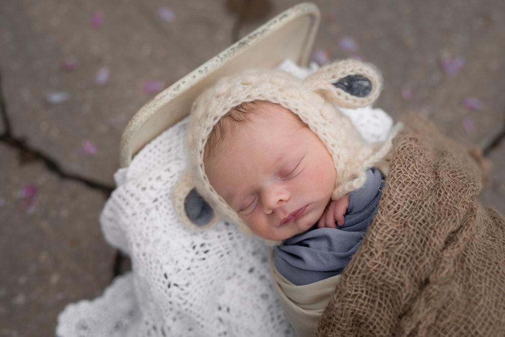 Newborn01NaomiLuciennePhotography052018-2-Edit.jpg