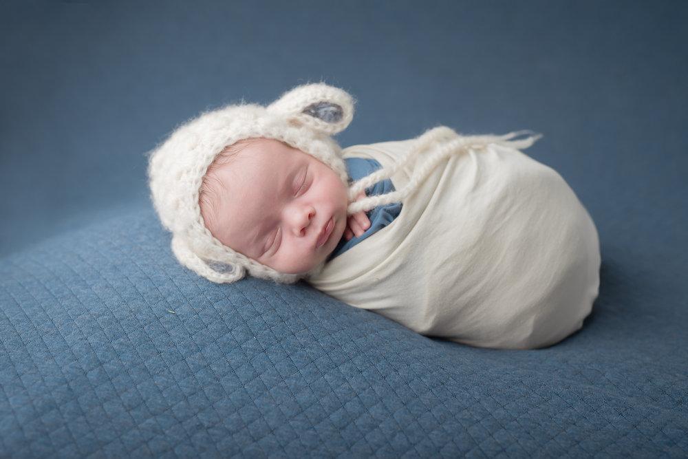 Newborn46NaomiLuciennePhotography052018-2-Edit.jpg