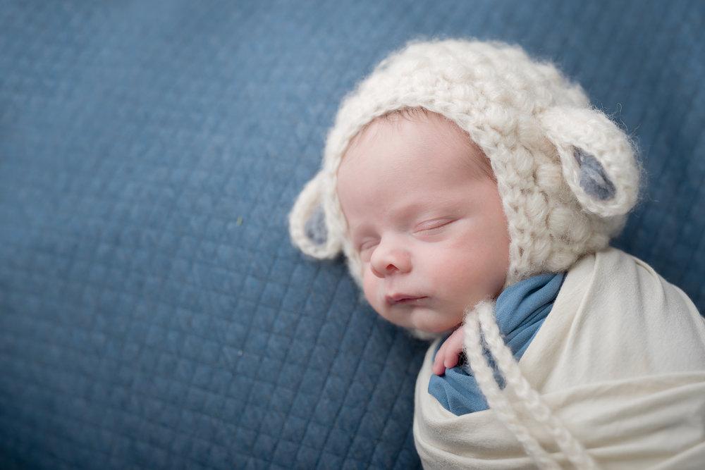 Newborn58NaomiLuciennePhotography052018-2-Edit.jpg