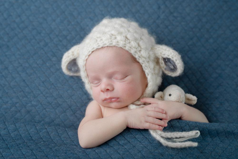 Newborn162NaomiLuciennePhotography052018-2-Edit.jpg
