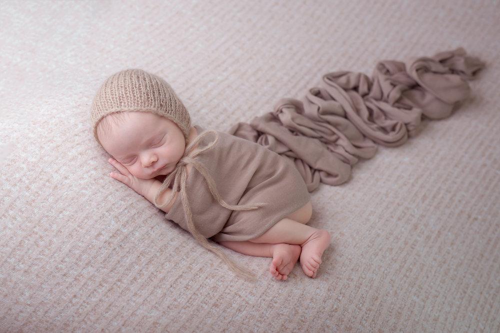 Newborn224NaomiLuciennePhotography052018-2-Edit.jpg