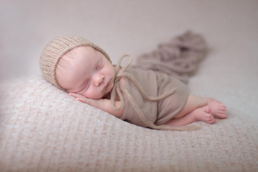Newborn238NaomiLuciennePhotography052018-2-Edit.jpg