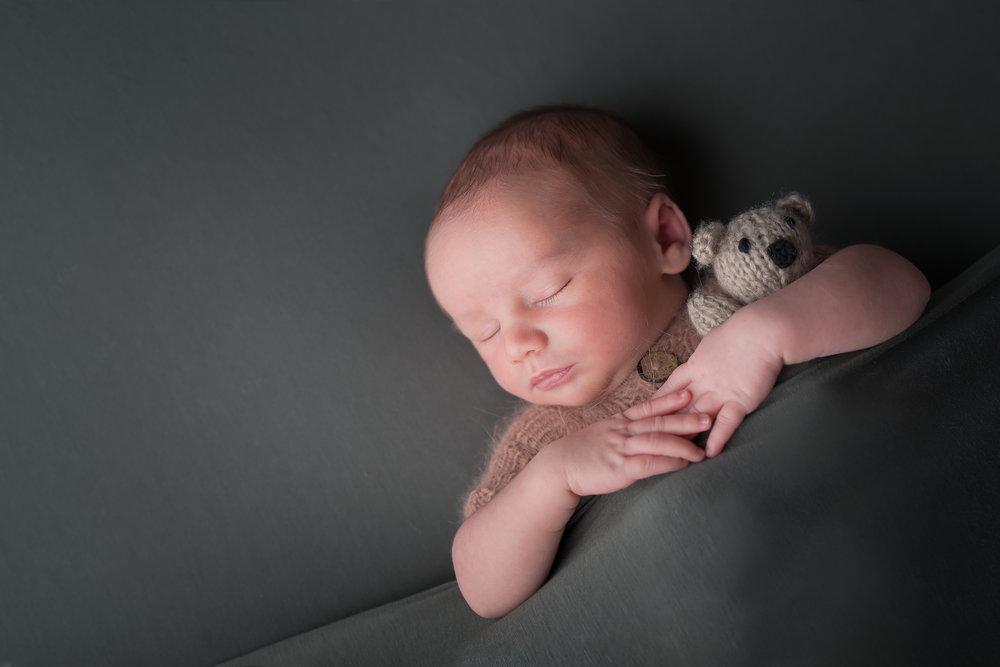 Newborn83NaomiLuciennePhotography062018-Edit-Edit.jpg
