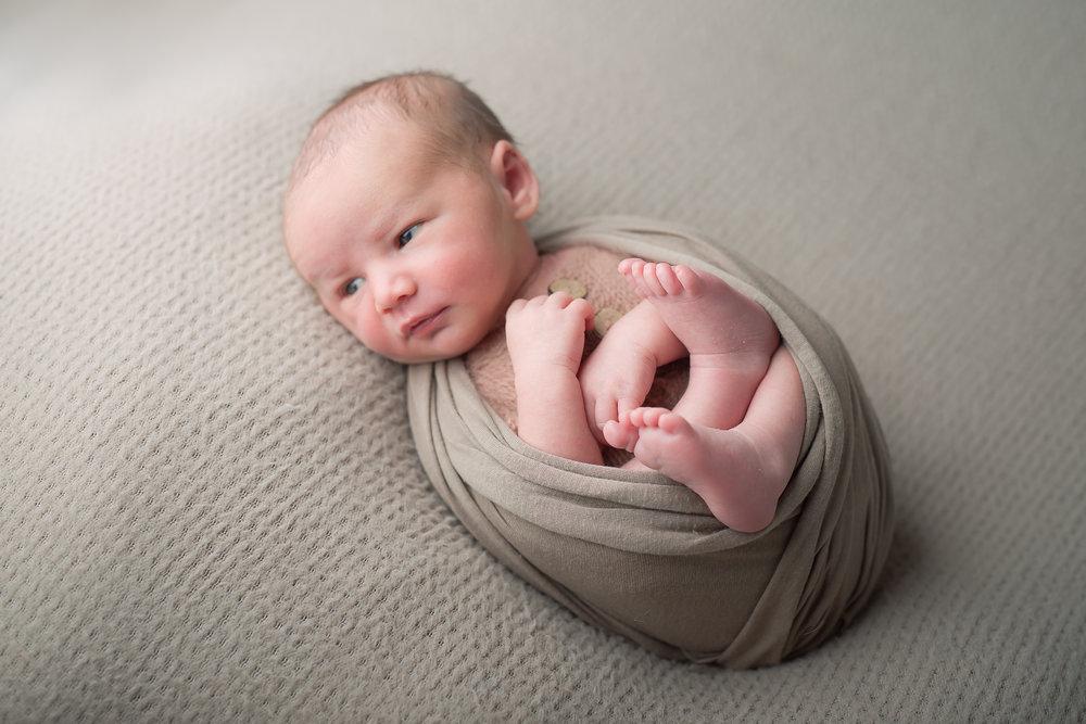 Newborn11NaomiLuciennePhotography062018-2-Edit.jpg