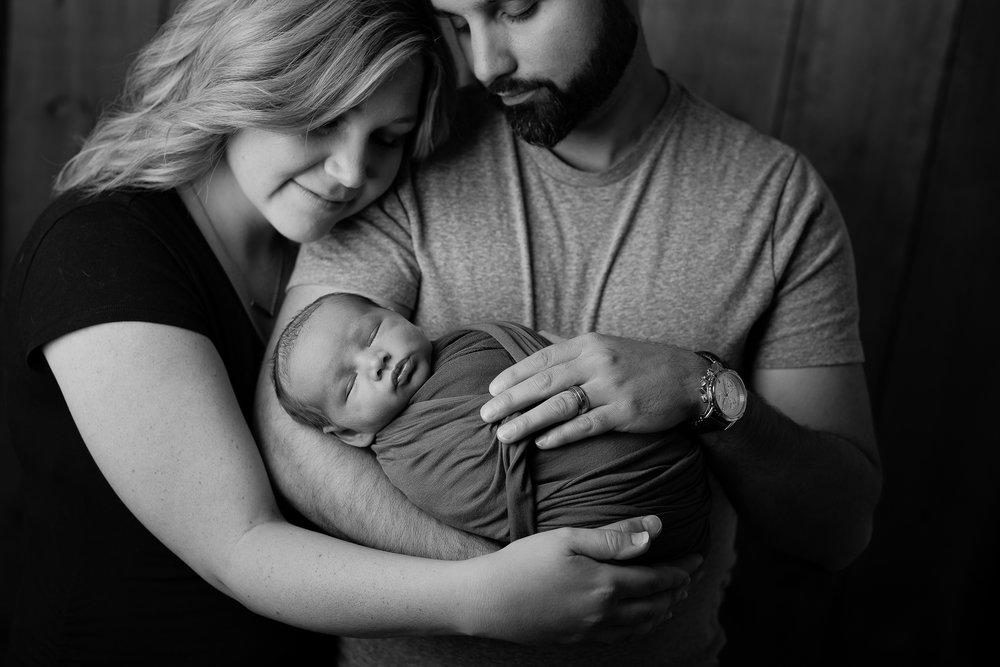 Newborn97NaomiLuciennePhotography062018-Edit.jpg