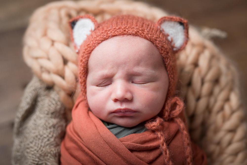 Newborn215NaomiLuciennePhotography062018-Edit.jpg