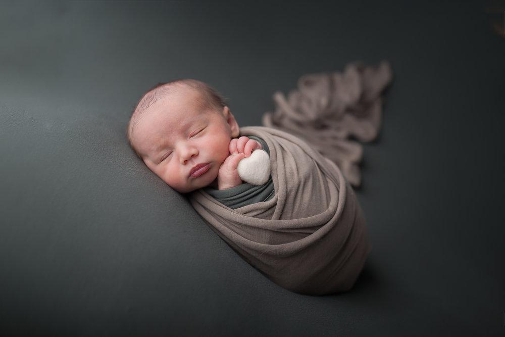 Newborn44NaomiLuciennePhotography062018-Edit-2.jpg