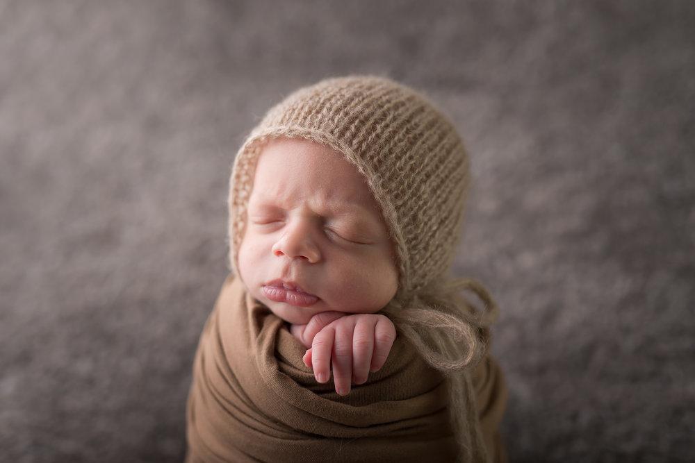 Newborn161NaomiLuciennePhotography072018-Edit.jpg