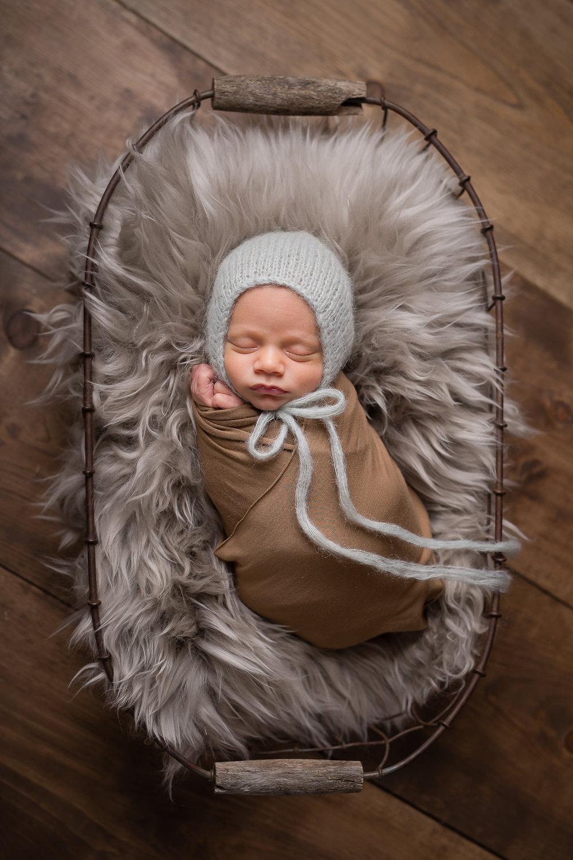 Newborn448NaomiLuciennePhotography072018-Edit.jpg