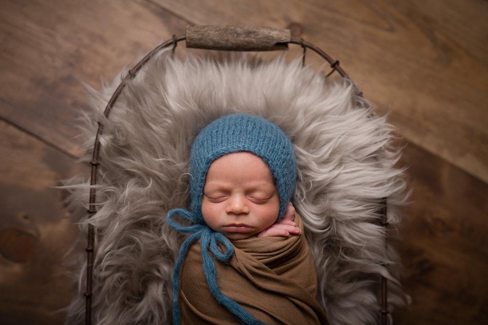 Newborn475NaomiLuciennePhotography072018-Edit.jpg