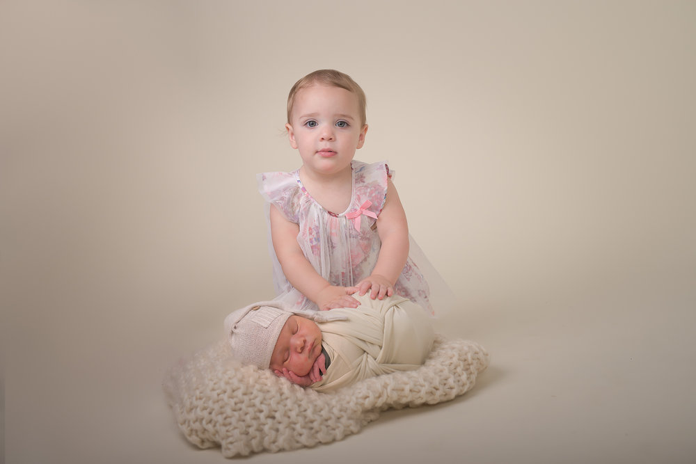 Newborn164NaomiLuciennePhotography062018-Edit.jpg