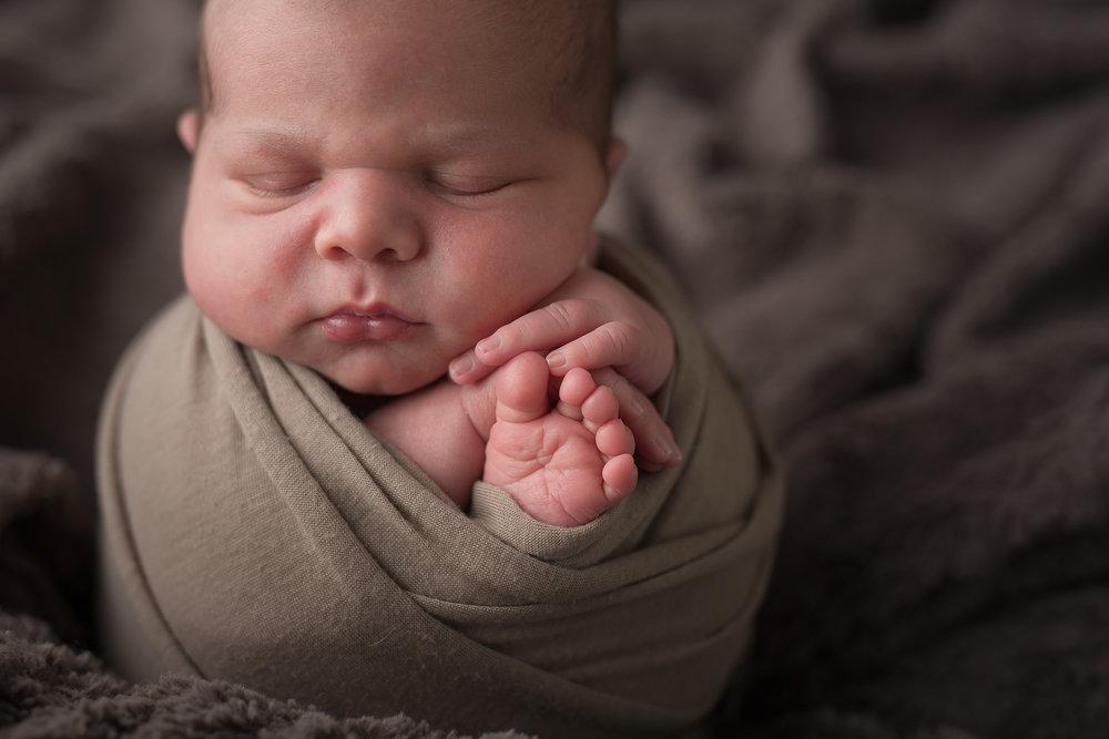 Newborn294NaomiLuciennePhotography062018-Edit.jpg