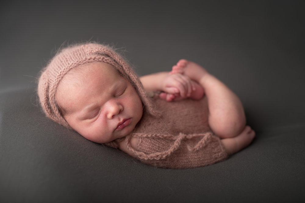 Newborn367NaomiLuciennePhotography062018-Edit.jpg