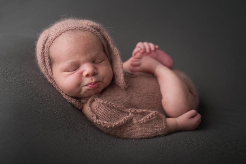 Newborn381NaomiLuciennePhotography062018-Edit.jpg