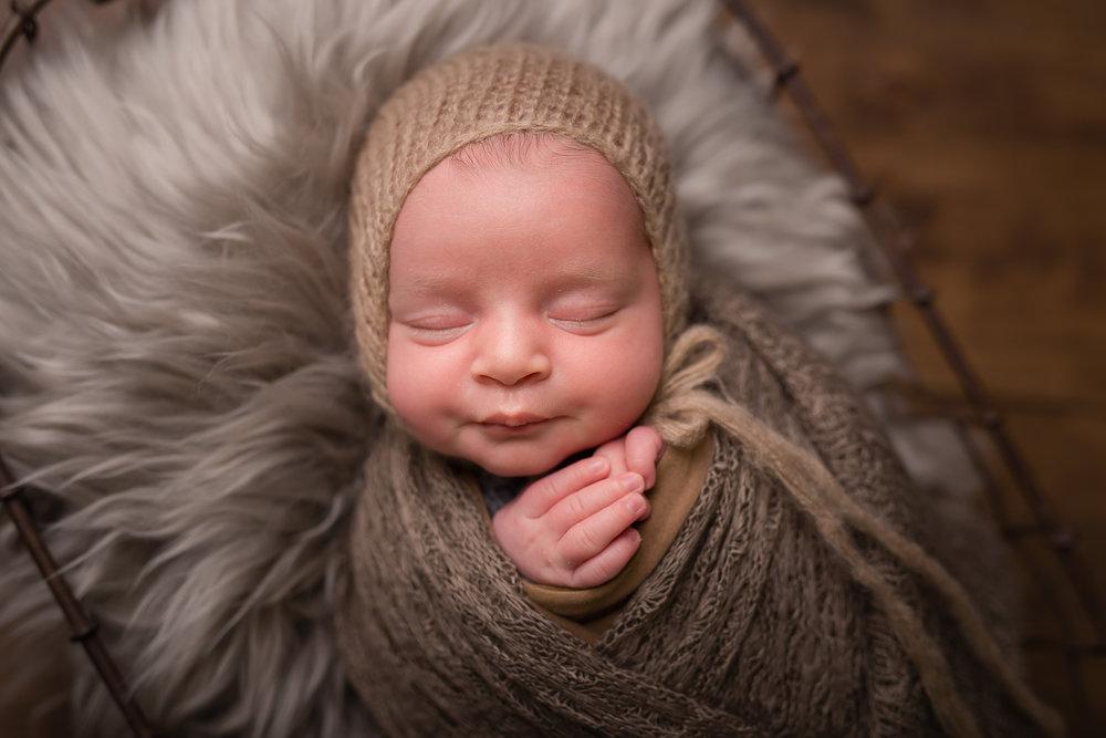 Newborn200NaomiLuciennePhotography072018-Edit.jpg