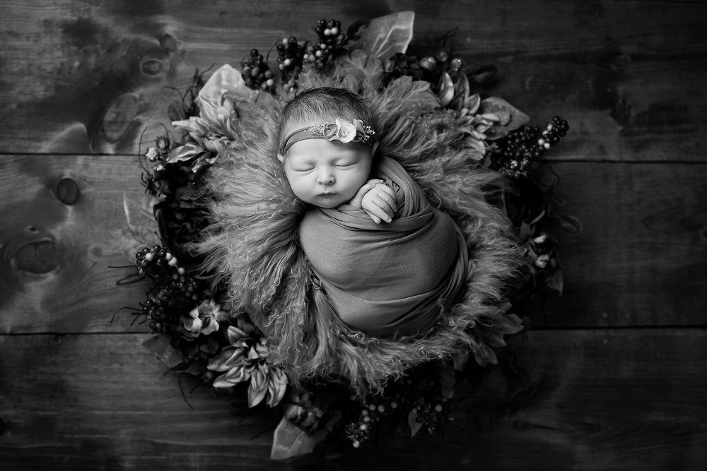 Newborn327NaomiLuciennePhotography072018-Edit.jpg