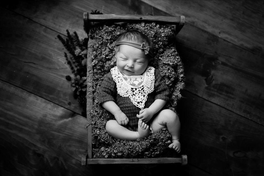 Newborn212NaomiLuciennePhotography072018-Edit.jpg