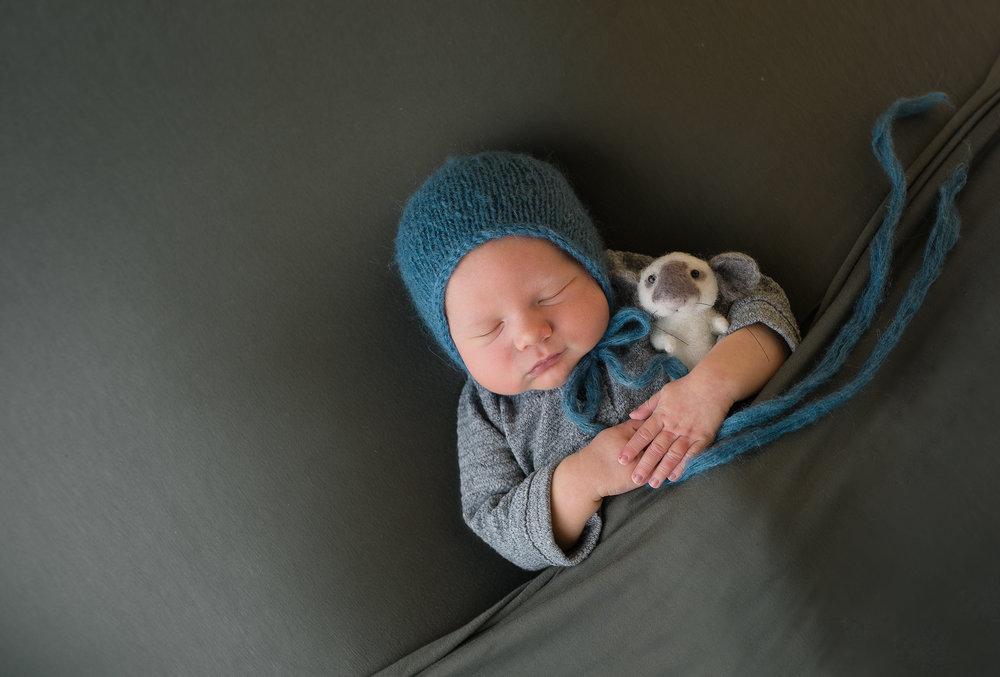 Newborn269NaomiLuciennePhotography072018-Edit.jpg
