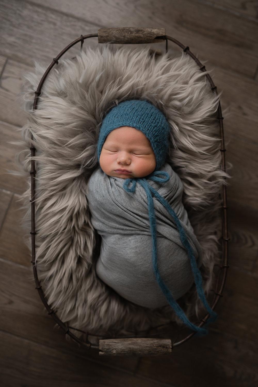 Newborn109NaomiLuciennePhotography072018-Edit.jpg