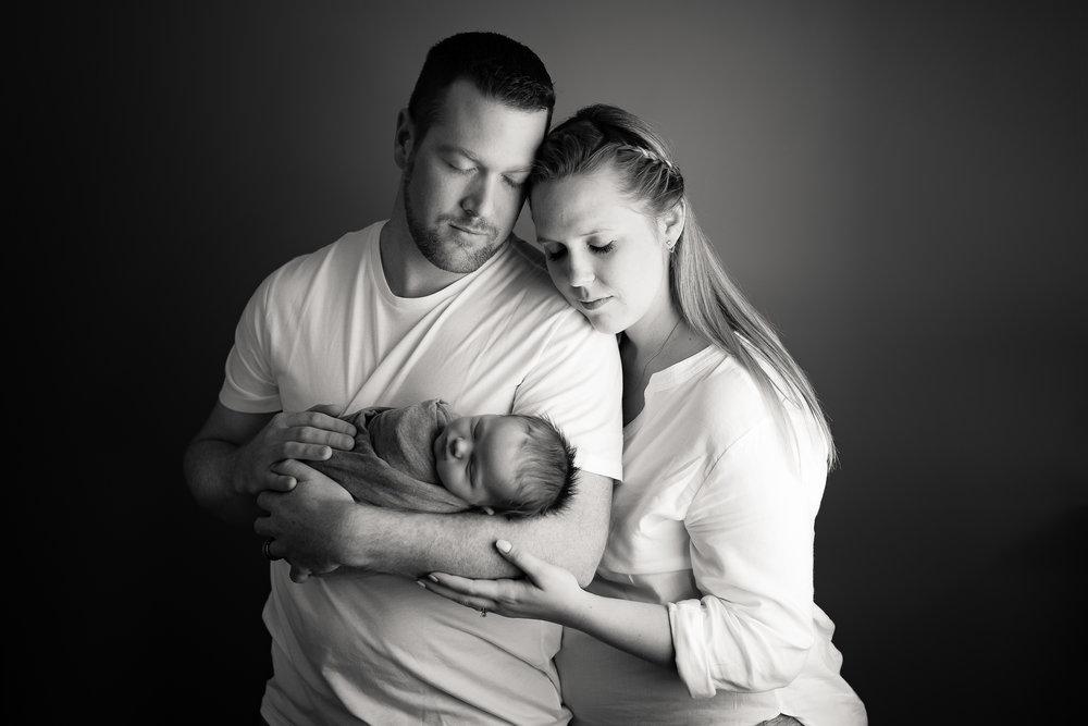 Newborn527NaomiLuciennePhotography072018-Edit.jpg