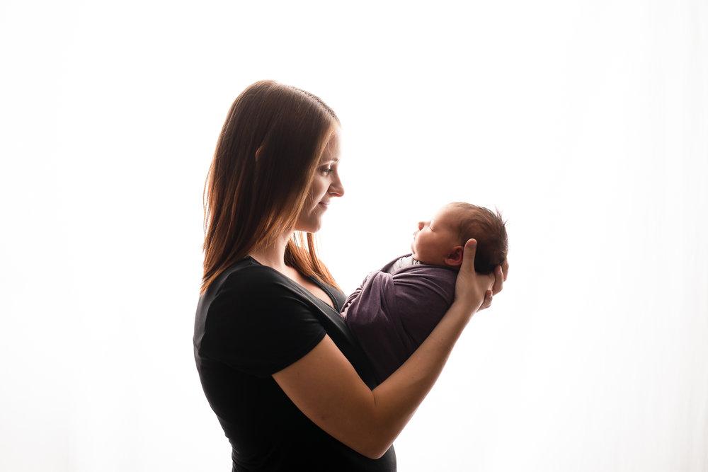 Newborn116NaomiLuciennePhotography102018-2-Edit.jpg