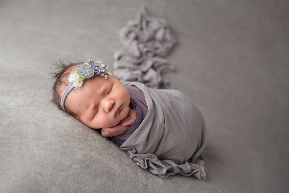 Newborn04NaomiLuciennePhotography102018-2-Edit.jpg