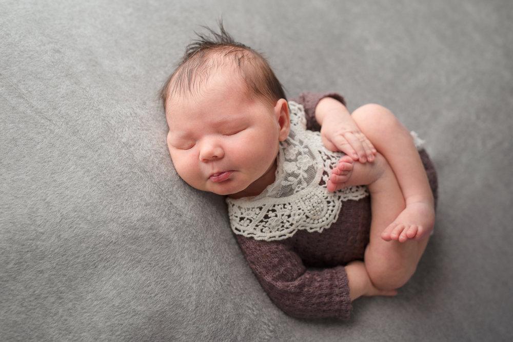 Newborn68NaomiLuciennePhotography102018-2-Edit.jpg