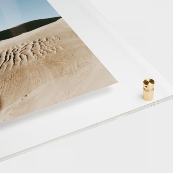float-frame-main02-desert-angle_2x.jpg