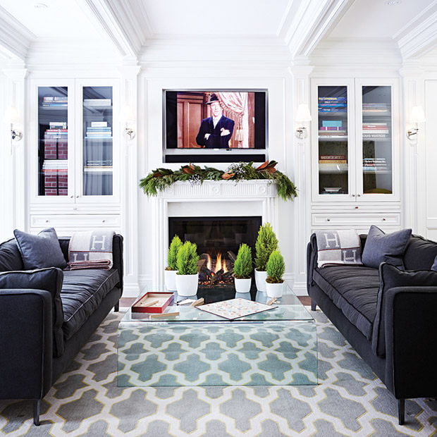 Holiday-Style-TheodoropoulosRes_Livingroom_PottedDecor_HH_NO14.jpg