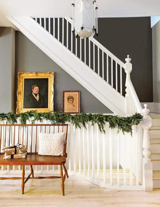 rustic-refined-garland-MirandaOgilvie_House_Dec_2014_StairCase-1_F1_HH_DE14_v3.jpg