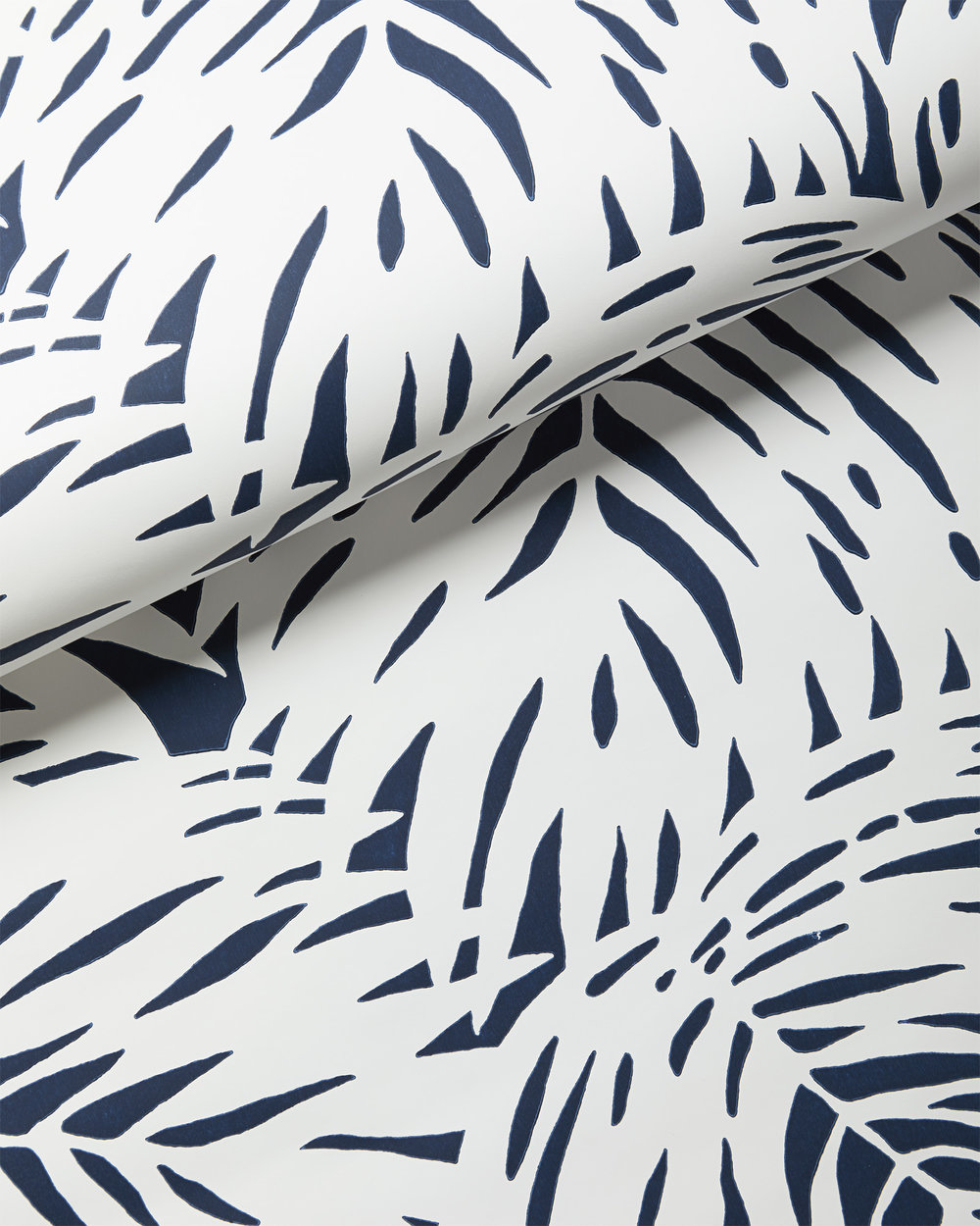 Wallpaper_Palm_White_Navy_MV_Crop_BASE.jpg