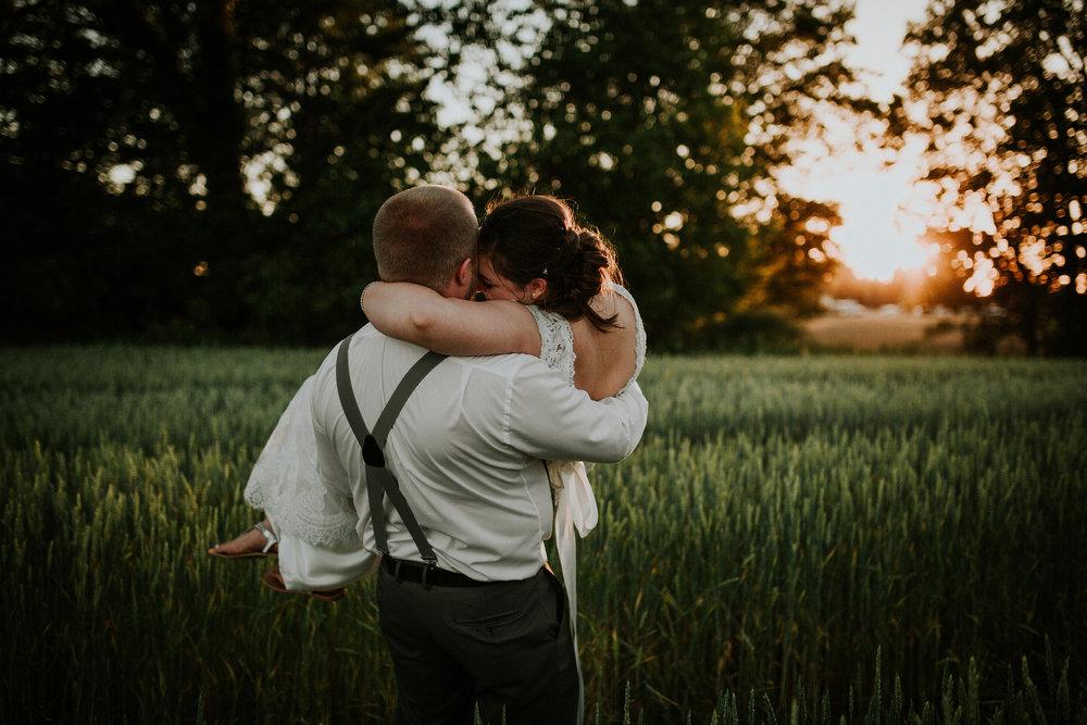 https---www.alyssadphotography.com-engagement grand rapids wedding-686.jpg