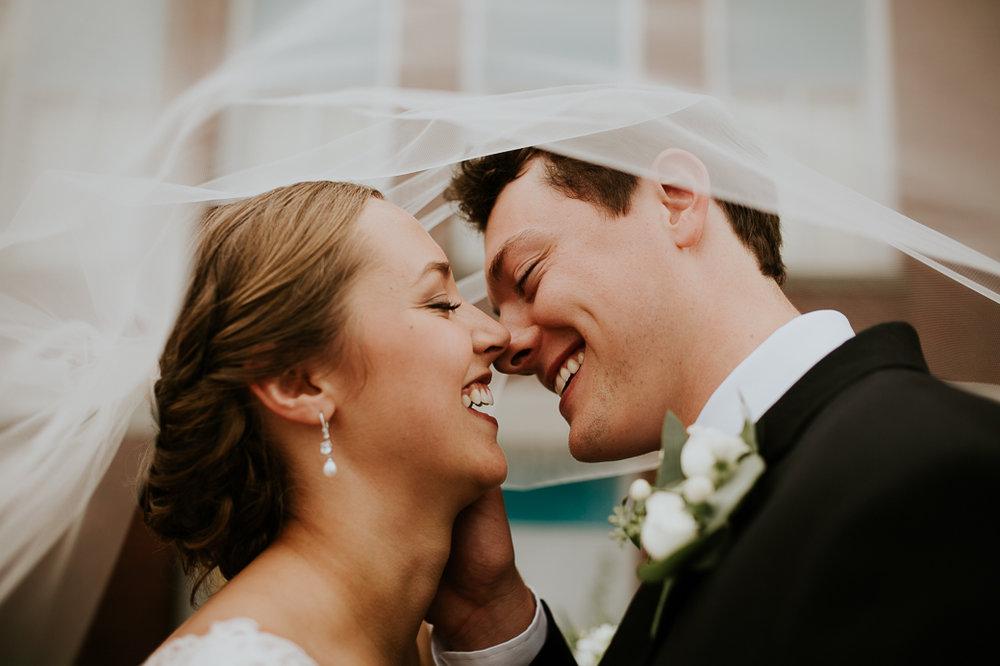https---www.alyssadphotography.com-engagement grand rapids wedding-9.jpg